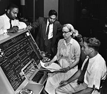 220px-Grace_Hopper_and_UNIVAC